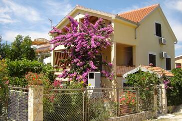 Sabunike, Zadar, Property 5812 - Apartments with sandy beach.