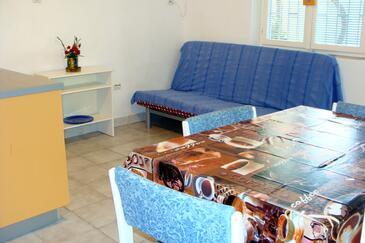 Sukošan, Jedáleň v ubytovacej jednotke apartment, dostupna klima i WIFI.