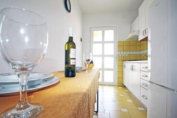 Vinjerac, Comedor in the apartment, air condition available y WiFi.