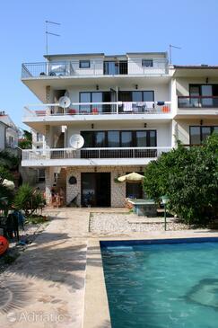 Stari Grad, Hvar, Property 583 - Apartments near sea with pebble beach.