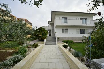 Biograd na Moru, Biograd, Property 5833 - Apartments with pebble beach.
