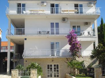 Biograd na Moru, Biograd, Property 5834 - Apartments with pebble beach.