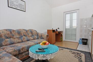 Nin, Pokój dzienny w zakwaterowaniu typu apartment, dopusteni kucni ljubimci i WIFI.