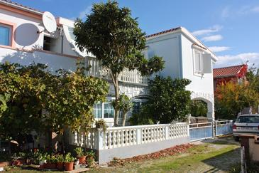 Nin, Zadar, Property 5836 - Apartments with sandy beach.