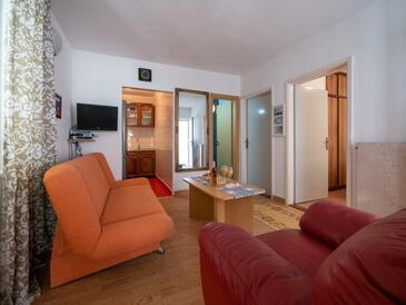 Nin, Living room in the apartment, dopusteni kucni ljubimci.