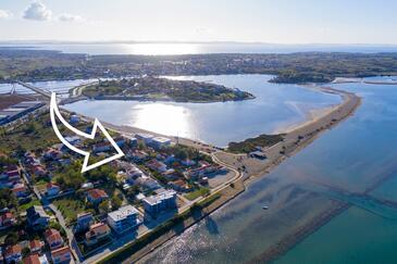 Nin, Zadar, Объект 5838 - Апартаменты вблизи моря с песчаным пляжем.