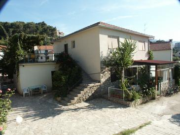 Jelsa, Hvar, Property 584 - Apartments near sea with pebble beach.