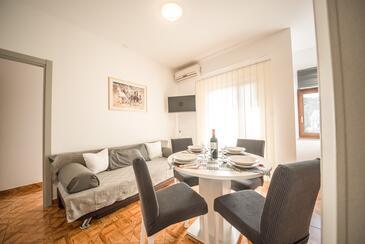 Vrsi - Mulo, Jídelna v ubytování typu apartment, s klimatizací a WiFi.