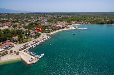 Vrsi - Mulo, Zadar, Objekt 5848 - Apartmaji in sobe v bližini morja s prodnato plažo.