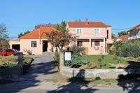 Apartmány s parkovištěm Privlaka (Zadar) - 5849