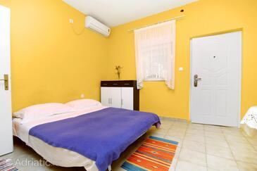 Bibinje, Living room in the house, dostupna klima i dopusteni kucni ljubimci.