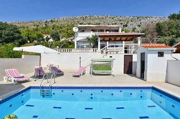 Sumpetar, Omiš, Property 5855 - Vacation Rentals with pebble beach.