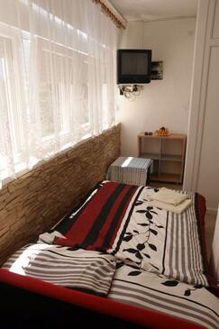 Nin, Obývacia izba v ubytovacej jednotke apartment, domáci miláčikovia povolení a WiFi.