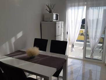 Vrsi - Mulo, Dining room in the apartment, air condition available and WiFi.