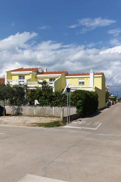 Vrsi - Mulo, Zadar, Property 5859 - Apartments near sea with pebble beach.