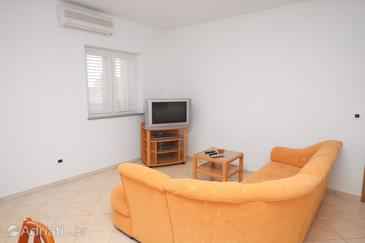 Vrsi - Mulo, Living room in the apartment, air condition available and WiFi.
