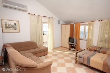 Sukošan, Living room in the apartment, dostupna klima, dopusteni kucni ljubimci i WIFI.