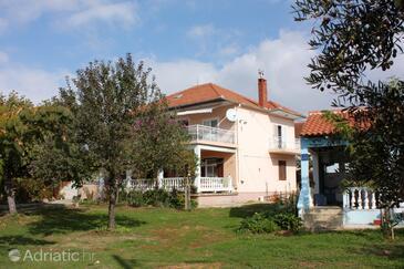 Bibinje, Zadar, Objekt 5865 - Ubytování v blízkosti moře s oblázkovou pláží.