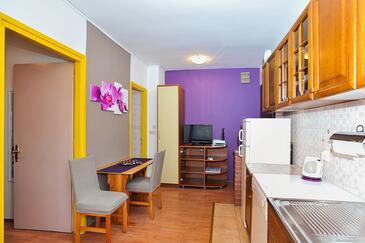 Zadar, Jedáleň v ubytovacej jednotke apartment, dostupna klima i WIFI.