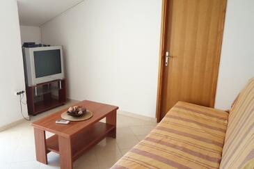 Rtina - Benići, Living room in the apartment, dostupna klima, dopusteni kucni ljubimci i WIFI.