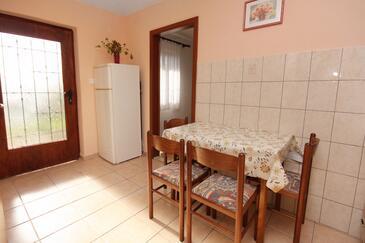 Rtina - Stošići, Jídelna v ubytování typu apartment, WiFi.