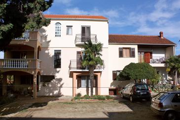 Biograd na Moru, Biograd, Property 5899 - Apartments with pebble beach.