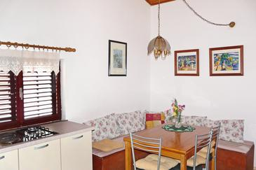 Brna, Dining room in the apartment, (pet friendly).
