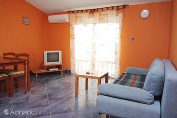 Šibenik, Living room in the apartment, dopusteni kucni ljubimci.