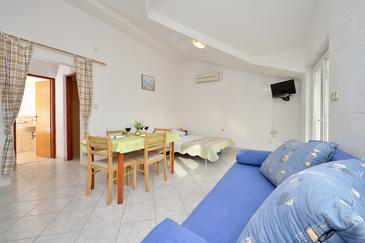 Drage, Obývací pokoj v ubytování typu apartment, s klimatizací a WiFi.