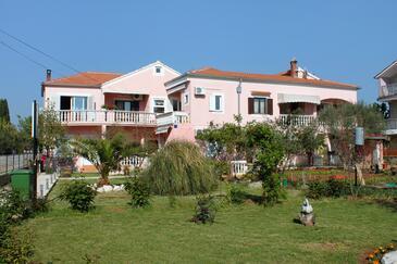 Sukošan, Zadar, Property 5905 - Apartments near sea with pebble beach.