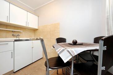 Sukošan, Jedilnica v nastanitvi vrste studio-apartment, WiFi.