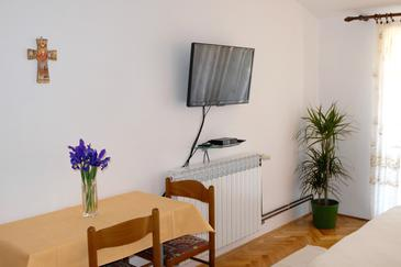 Zadar - Diklo, Comedor in the studio-apartment, WiFi.