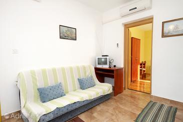 Zadar - Diklo, Living room in the apartment, dostupna klima i WIFI.
