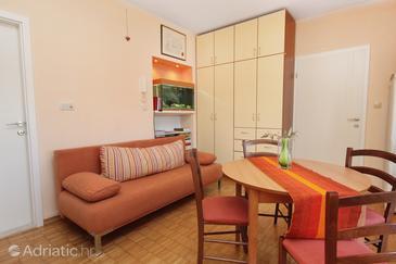 Zadar, Living room in the studio-apartment, dopusteni kucni ljubimci i WIFI.