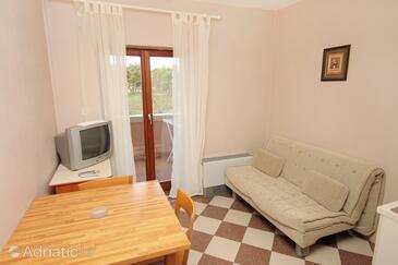 Zaton, Living room in the apartment, dostupna klima.