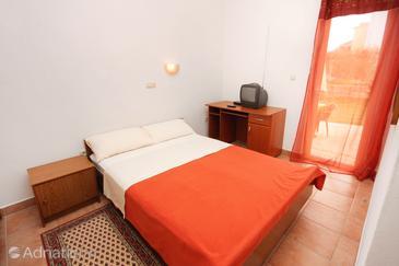Zadar - Diklo, Bedroom in the room, WIFI.