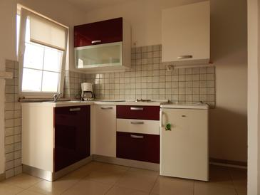 Bibinje, Kitchen in the apartment, air condition available and WiFi.