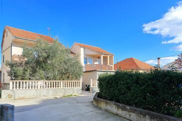 Bibinje, Zadar, Объект 5927 - Апартаменты вблизи моря с галечным пляжем.