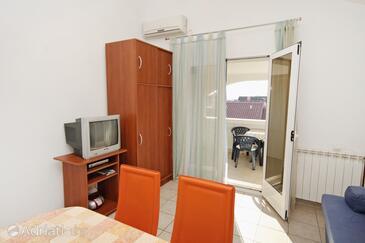 Zadar - Diklo, Living room in the apartment, dostupna klima, dopusteni kucni ljubimci i WIFI.