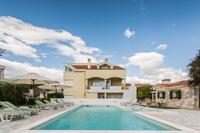 Апартаменты с бассейном Zadar - 5943
