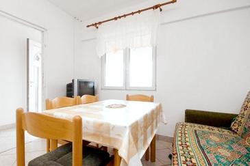 Sukošan, Dining room in the apartment.