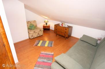 Ljubač, Living room in the apartment, (pet friendly) and WiFi.
