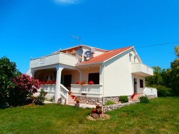 Ljubač, Zadar, Property 5947 - Apartments near sea with pebble beach.