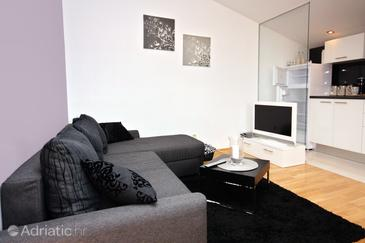 Rtina - Miočići, Living room in the apartment, dopusteni kucni ljubimci.