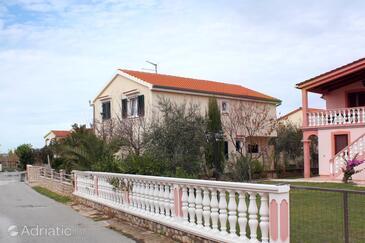 Zukve, Zadar, Property 5952 - Apartments by the sea.