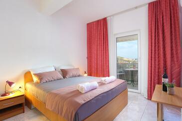 Marina, Dormitor în unitate de cazare tip room, aer condiționat disponibil, animale de companie sunt acceptate şi WiFi.