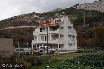 Zakučac, Omiš, Property 5954 - Apartments with sandy beach.