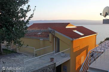 Nemira, Omiš, Property 5956 - Apartments near sea with pebble beach.