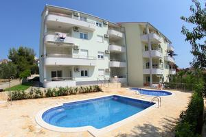 Apartmány u moře s bazénem Okrug Gornji (Čiovo) - 5959