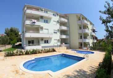 Okrug Gornji, Čiovo, Property 5962 - Apartments near sea with pebble beach.